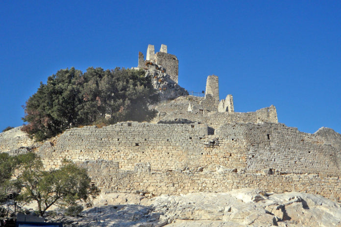 Rocca San Silvestro, known in the Middle Ages as the Pitosfero, is a fortified village built around the tenth century