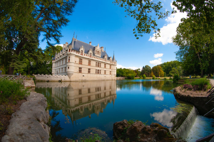 château d'Azay-le-Rideau It is part of the set of castles of the Loire that were declared World Heritage by Unesco in 2000