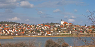 Tihany is t is one of the most beautiful settlements in Hungary, with spectacular scenery and a rich natural environment on the Tihany Peninsula stretching to Lake Balaton