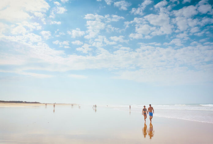 A beach paradise that attracts thousands of tourists every year and in which we can find an almost virgin environment about 11 kilometers from Vejer de la Frontera.