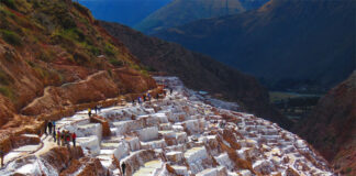 The Salineras de Maras are 46 kilometers from the city of Cusco, in the Sacred Valley of the Incas