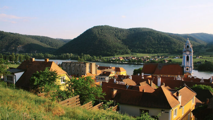 In connection with the scenic and architectural beauty of the Wachau, the place has become one of the most famous tourist destinations in Austria.