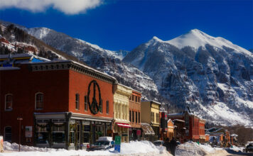 In 1973, a ski resort was opened here. The locals are very proud of their free gondola. It connects Mountain Village to the city of Telluride.