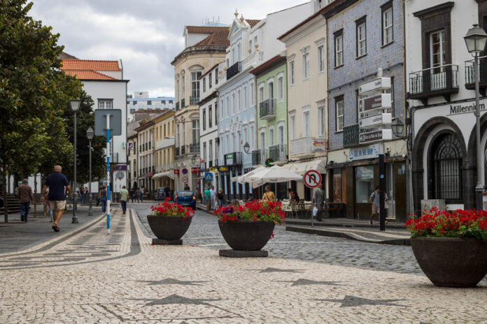 The capital of the Azores archipelago, San Miguel, is the amazing resort town of Ponta Delgada